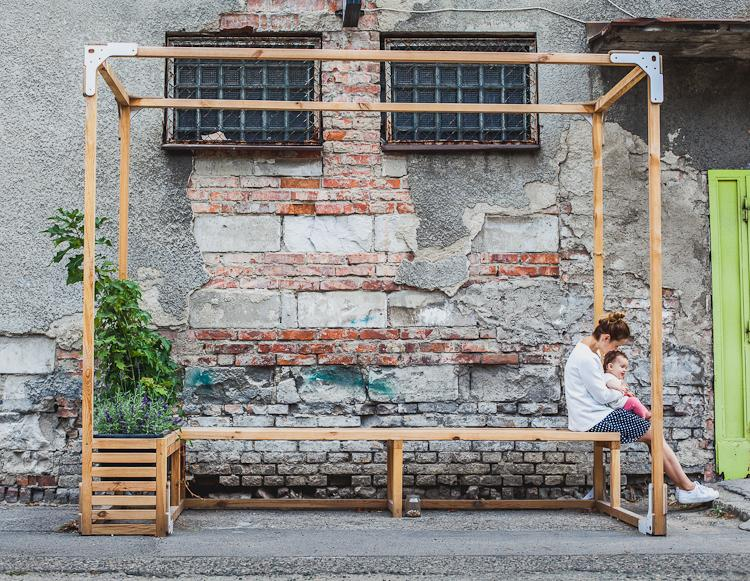 ławka zaprojektowana na Dolnym Mieście w Gdańsku przez Tabanda