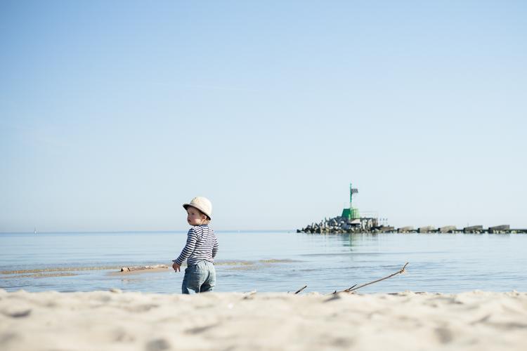 portret dziecięcy nad morzem