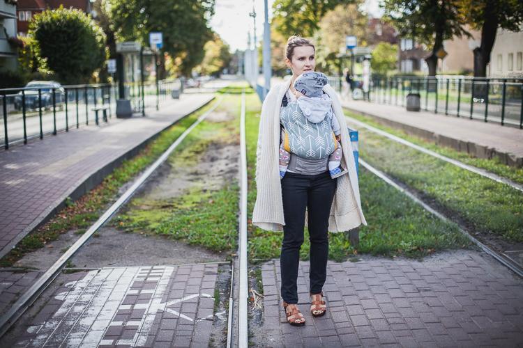 przejście przez tory przy przystanku tramwajowym w Gdańsku Oliwie