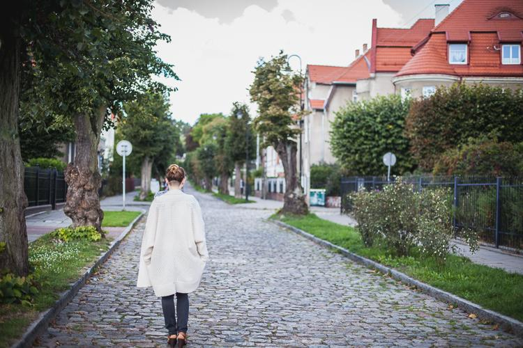 brukowana ulica Liczmańskiego w Starej Oliwie
