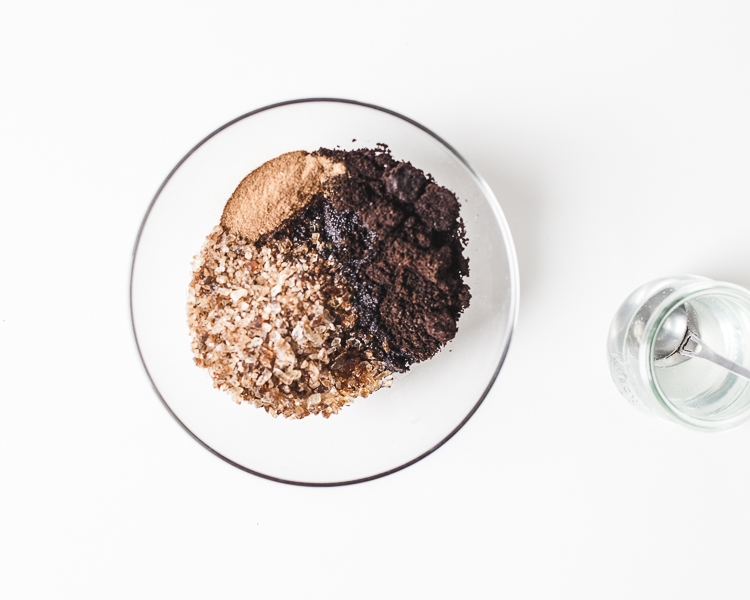 Przygotowywanie peelingu z kawy w domowych warunkach